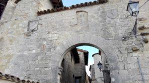 arco-con-stemmi-del-castello-di-avigliano