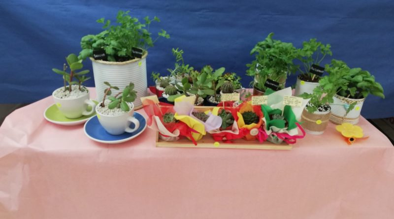 'Come in un vero set fotografico': gli oggetti creati dai bambini del 'Cottolengo' di Avigliano