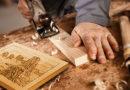 I lavori di Alberto Piacenti esposti nel bookshop della Foresta Fossile